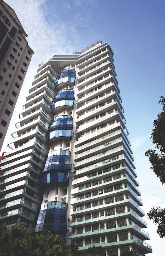 The sale of a 1,755 sq ft unit at The Lumos results in $1.86 mil loss